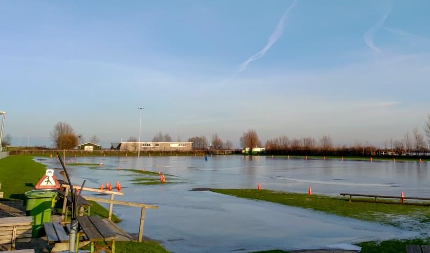 De Leiderdorpse ijsbaan in het Weteringpark op maandagmiddag 21 januari.