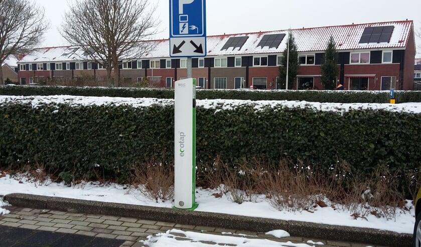 De gemeente kan nu contracten afsluiten over het plaatsen en de exploitatie van laadpalen in Lisse.