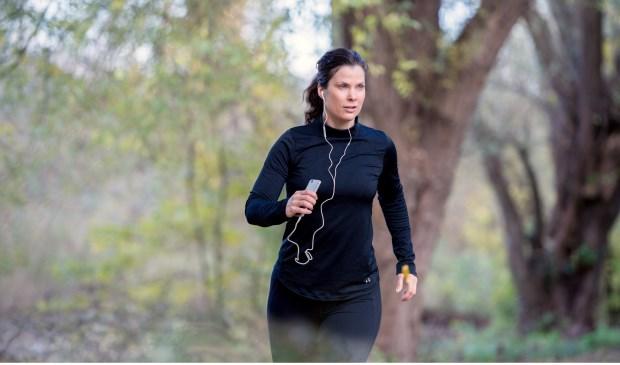 Ondanks haar eczeem blijft Tanya sporten.