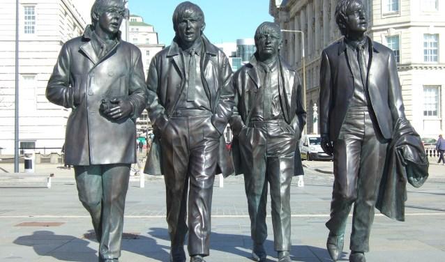 Deze vier heren, vereeuwigd in Liverpool, speelden 55 jaar geleden in Hillegom. Bij deze mijlpaal wordt stilgestaan door middel van een Beatlesdag. | Foto: Pixabay