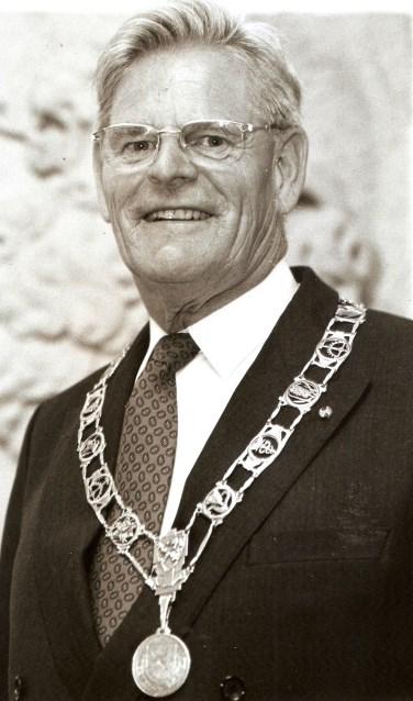 Oud-burgemeester van onder meer Lisse, Gerard van der Kroft.