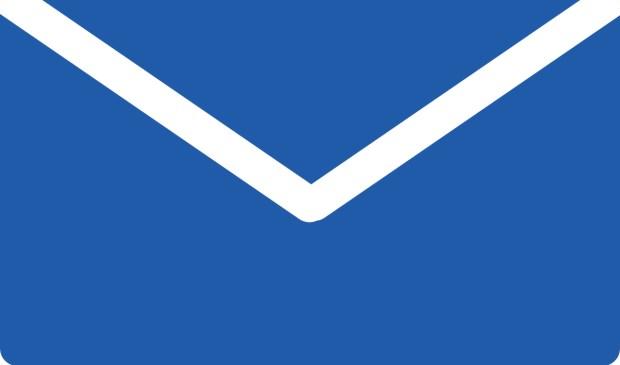 De bekende blauwe envelop van de Belastingdienst valt weer op de mat.