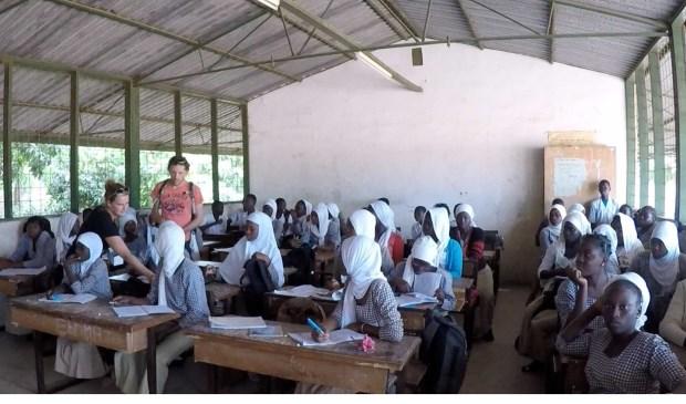 Door de actie kunnen kinderen in Gambia naar school.