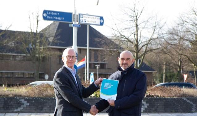 Jan Breugem (mobiliteitsmakelaar Bereikbaar Haaglanden en Rijnland), Rien Nagtegaal. | Foto: Keya Hovens