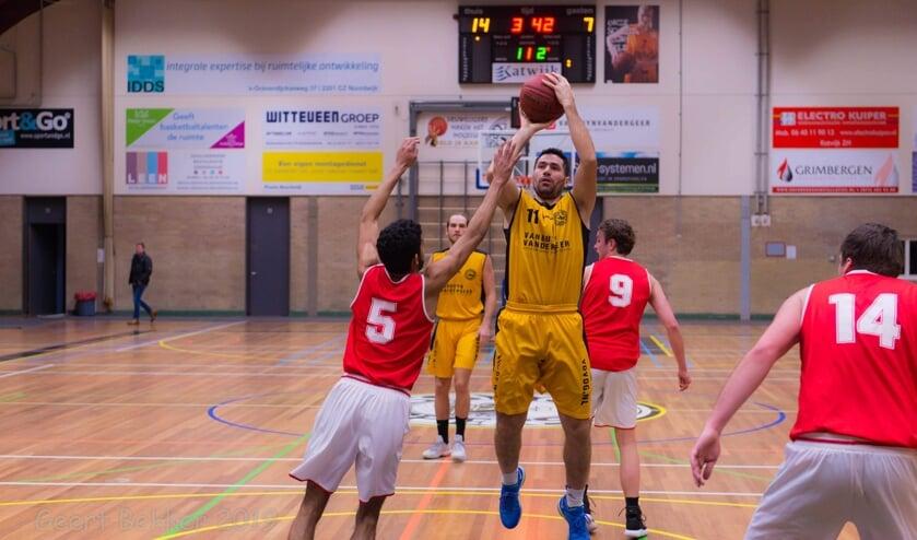 Michael Madanly zorgde voor de nodige scores. | Foto: Geert Bekker