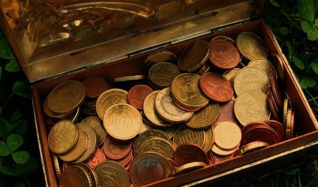 Welke schatten heeft iemand nog thuis liggen? Een bijzondere euromunt uit Vaticaanstad bijvoorbeeld. Dat soort munten kom je tegen op een muntenbeurs.