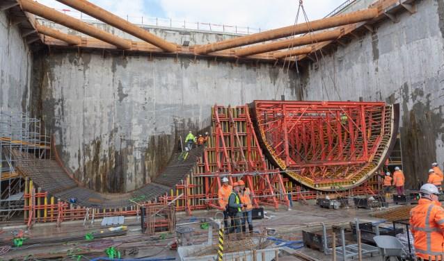 De boor van de tunnel start aan de linkerkant.
