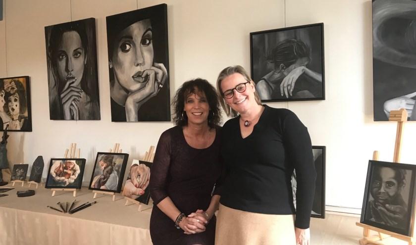 Esther Kortekaas en Jolijn Fanoy exposeren in het Boerhaavehuis.   Foto: Lotte Zoet