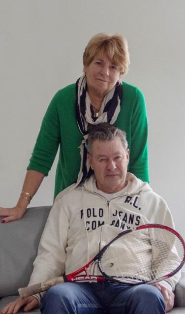Mevrouw Zaat met haar man Wim. Hij heeft een tennismaatje via WelzijnsKompas. | Foto: pr