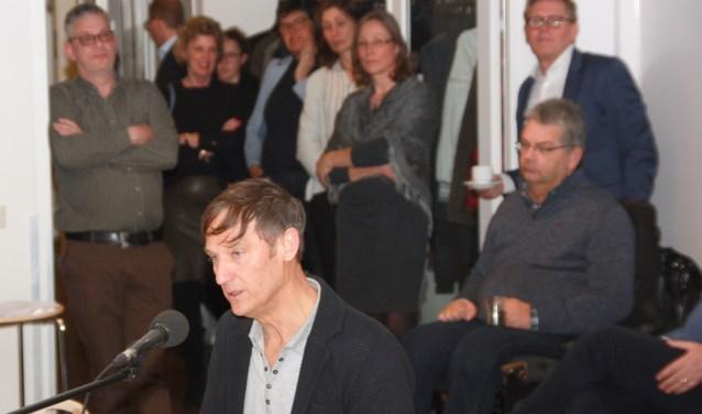 Inspreker Thomas Steenvoorden. | Foto en tekst: Willem Siemerink.