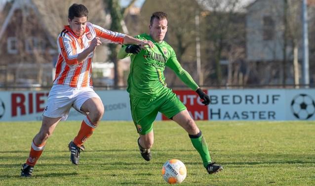Vincent Solleveld moet vol aan de bak om de schade te beperken. | Foto: lichtenbeldfoto.nl