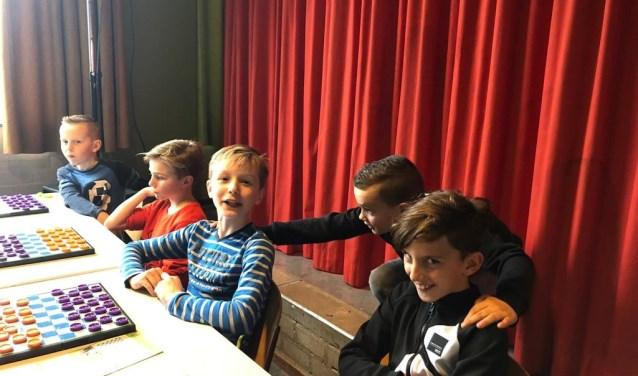 Deze leerlingen maakten hun debuut op de provinciale damwedstrijden van Zuid-Holland.