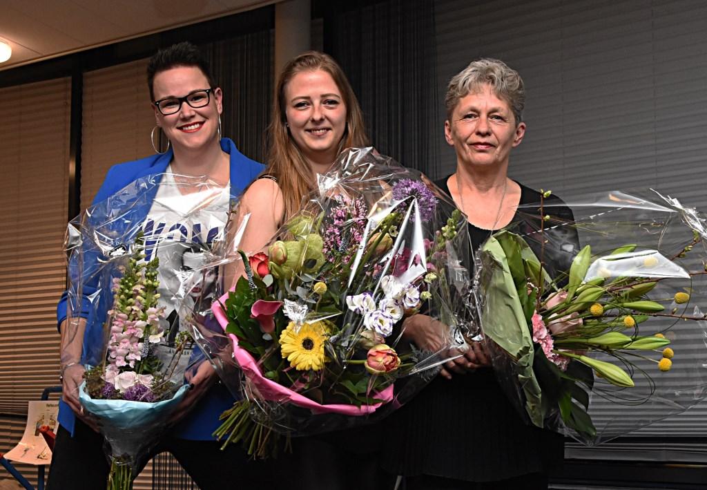 De drie genomineerden:  Rianne Hogewoning, Nadine de Koning en Anita Laterveer. | Foto: Piet van Kampen  © uitgeverij Verhagen