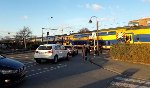 De spoorwegovergang bij de Herenstraat. | Foto: archief