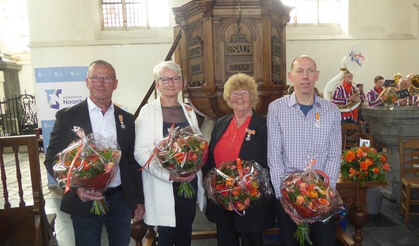 De vier gedecoreerden uit NWhout en De Zilk, vlnr: Rene Geljon (DZ), Corrie de Bruin (NWH), Ineke van Zelst (DZ) en Gerard Dobbe. | Foto: Ina Blaauw