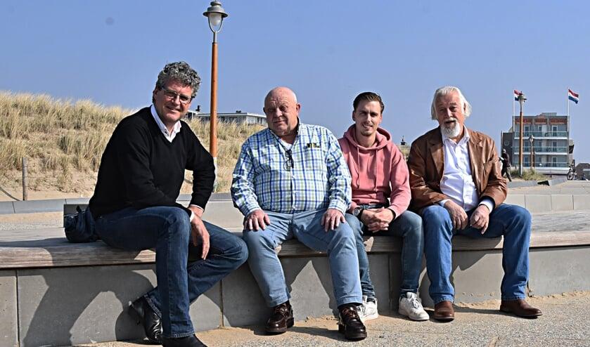 Ze zien het wel zitten Willem Schonenberg, Harry Minnee, Peter Hoek en Johan Houwaard. | Foto: Piet van Kampen