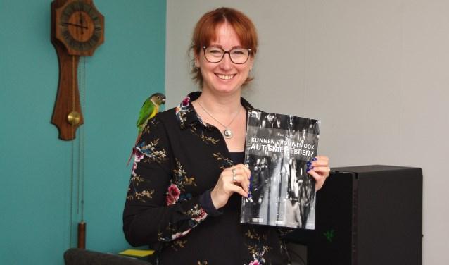 'Ik merk dat dit boek veel vrouwen verder helpt.' | Foto Willemien Timmers