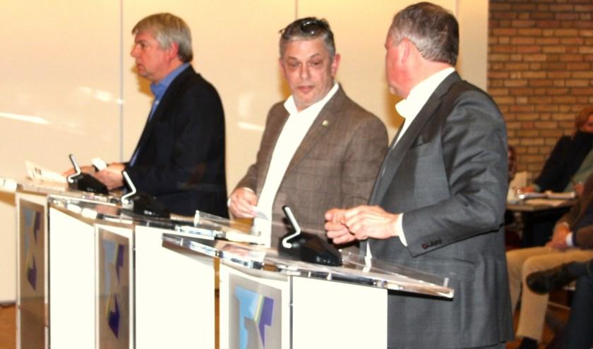 Theo Alkemade (links) verweet Louis Koppel (midden) laster en smaad