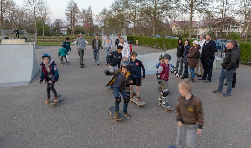 Skateboarders aan de Hofbrouckerlaan kwamen enthousiast voorbij. | Foto wil van Elk