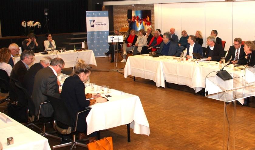 De gemeenteraad buigt zich over de aanpak van calamiteiten. | Foto en tekst: Wim Siemerink