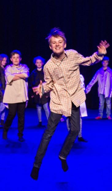 Theater- en zangles voor kinderen bij jeugdtheaterschool Flores.