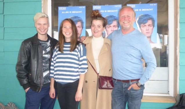 vlnr: Reinier van Harten (muziek), Ilke Paddenburg (regie en script) en de acteurs Eva van Gessel en Michiel Nooter.