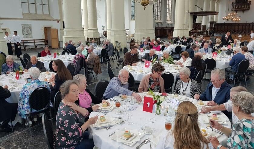 Alle paren bijeen in de Hooglandse Kerk.   Foto: Emile van Aelst