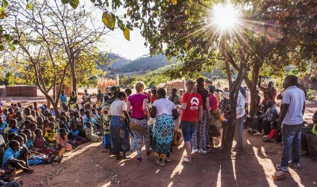 De Leids/Leiderdorpse groep gaat op reis met World Servants, een organisatie met dertig jaar ervaring met jongerenreizen naar ontwikkelingslanden.