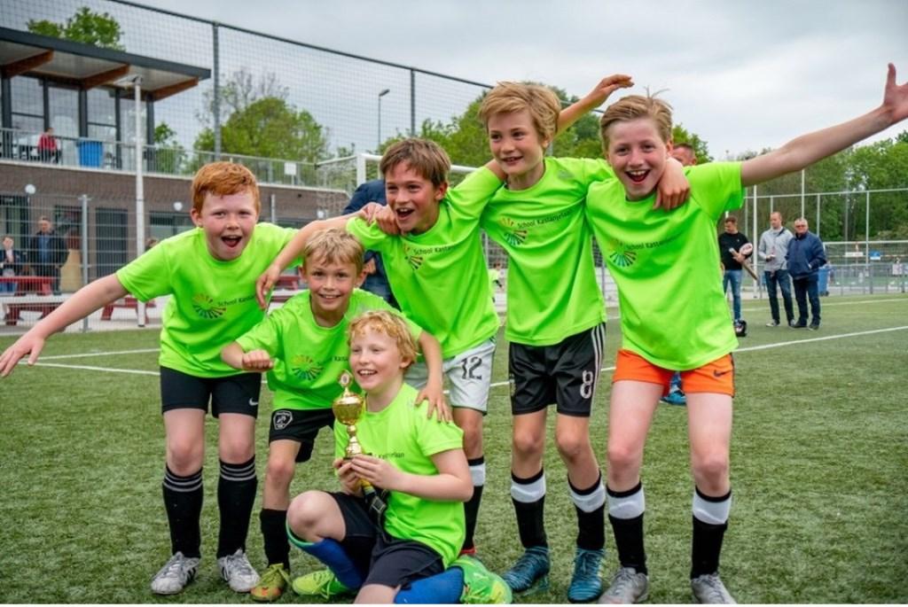 School Kastanjelaan jongens groep 6 Foto: Johan Kranenburg © uitgeverij Verhagen