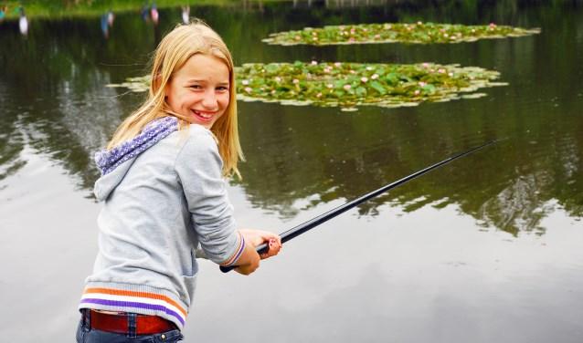 Hengelsportvereniging De Leede biedt een gratis basiscursus sportvissen voor kinderen aan. | Foto: pr.