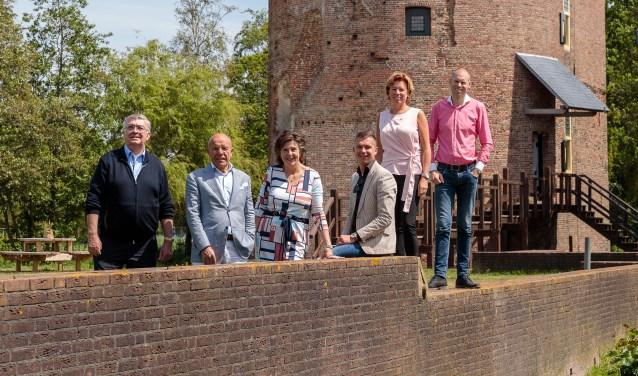 De organisatie, v.l.n.r. Klaas Slootweg, Wim Kruyt, Dorien Wassenaar, Robert Faas, Angela Kujach en Martijn Claassen.