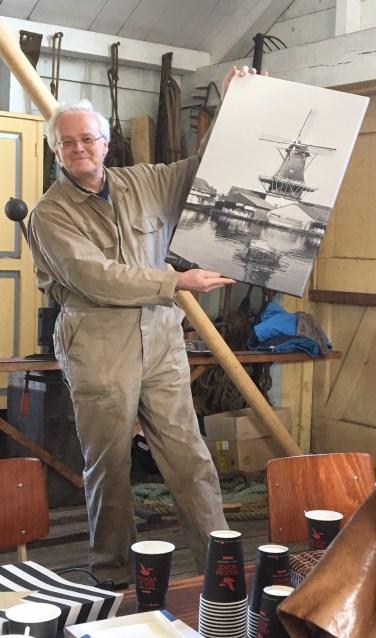 Molenaar Arthur de Groodt in en mét zijn Heesterboom.   Foto: Amber Janssen.