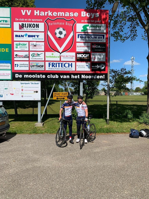 Even op de fiets de wedstrijd van FC Lisse tegen Harkemase Boys bezoeken!