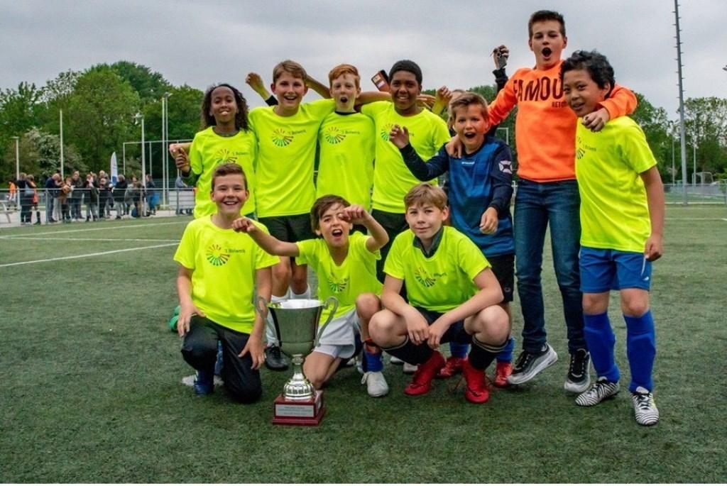 't Bolwerk jongens groep 7/8 Foto: Johan Kranenburg © uitgeverij Verhagen
