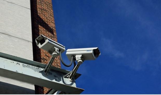 Wie weet zijn er in de buurt van de Mendeldreef beveiligingscamera's waar de jongens op te zien zijn.