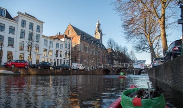 In het Ideecafé krijgen bezoekers meer te horen over het probleem van plastic vervuiling en verhalen van mensen die werken aan een oplossing. | Foto: pr