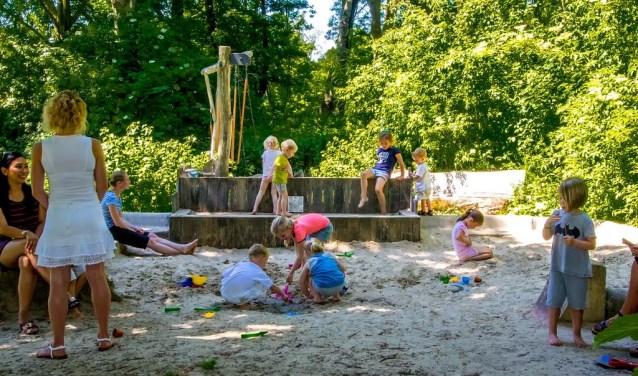Lekker spelen in de Dwarstuin. | Archieffoto: J.P. Kranenburg