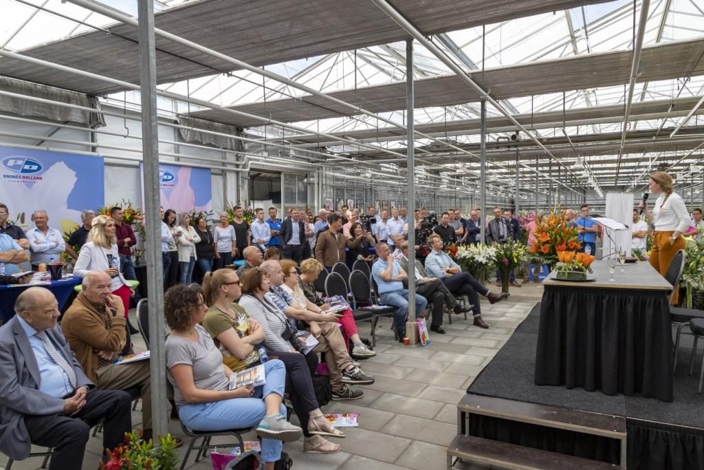Shorttrackdiva Lara van Ruijven opende de kleurrijke dagen. Foto Rolf van Koppen. Foto: ROLFVANKOPPEN © Verhagen