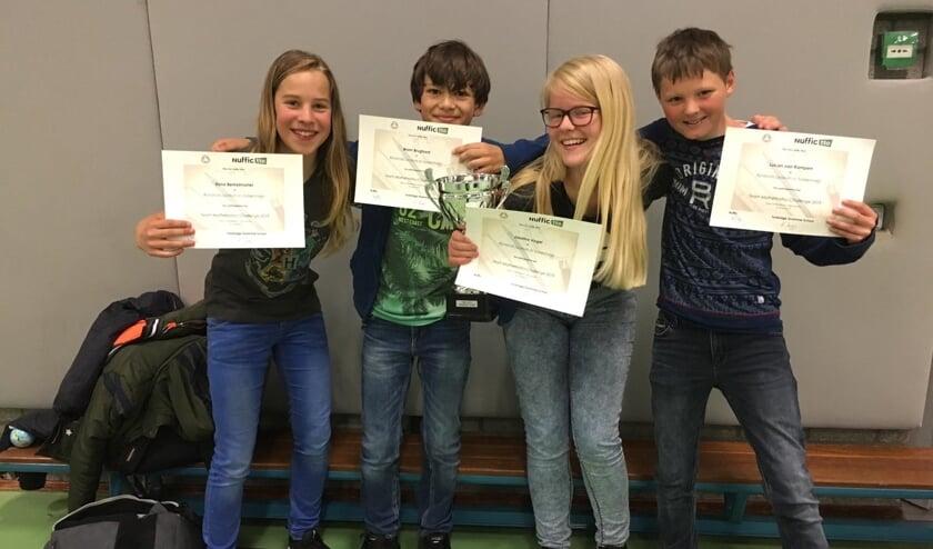 De vier leerlingen van het Rijnlands Lyceum zijn de beste in de Match Challenge.