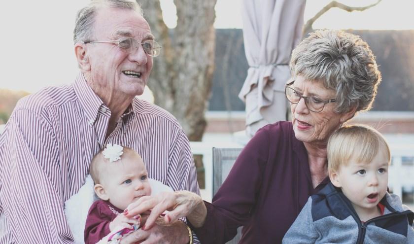 Steeds meer senioren kiezen ervoor hun woning te verbouwen om er langer te kunnen blijven wonen. Dit komt vooral door het gebrek aan geschikte kleinere woningen voor senioren.