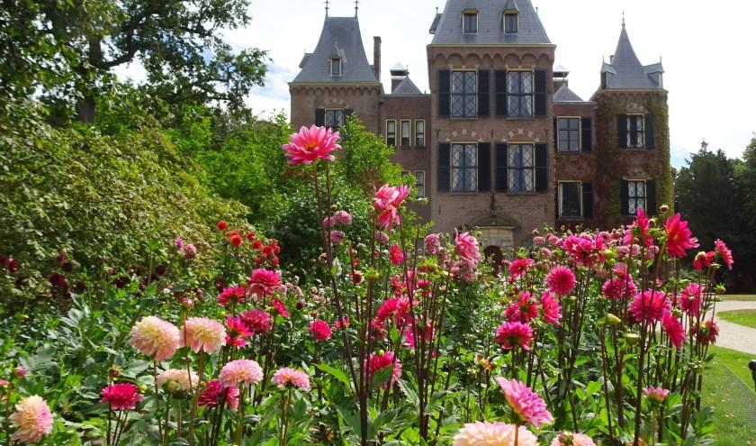 Vorig jaar waren dahlia's ook in vele soorten te bewonderen in de tuin van het kasteel.