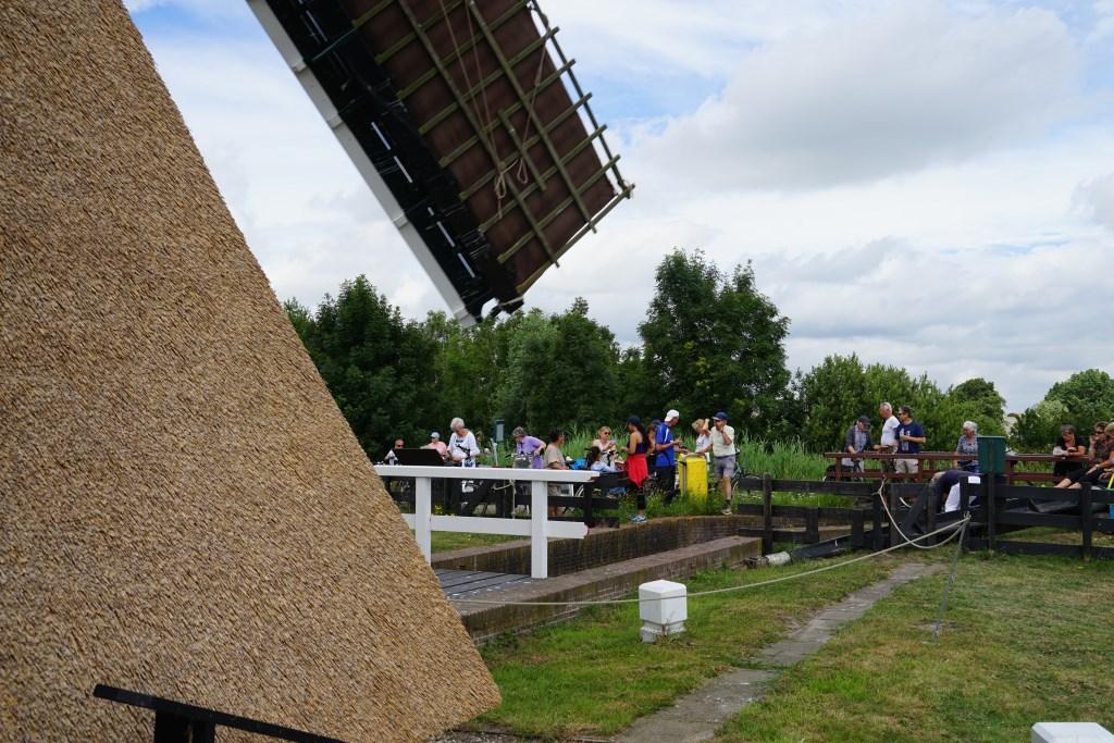 De Lagewaardse molen in Koudekerk aan den Rijn Foto: Corrie van der Laan © uitgeverij Verhagen