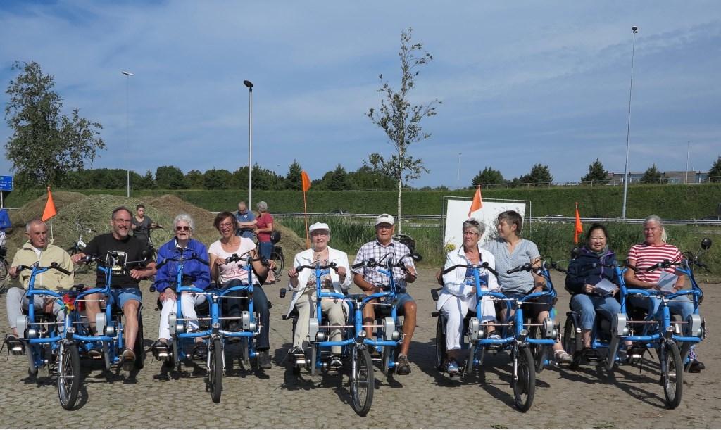Ook een aantal fietsmaatjes en hun gasten reden de route. Foto: Corrie van der Laan © uitgeverij Verhagen