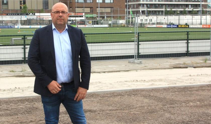 Projectleider Mark van Oostrum zegt geruststellend over de herontwikkeling bij SJC: 'Alles loopt op rolletjes'. | Foto: Wim Siemerink