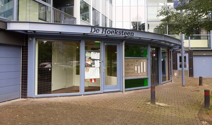 De entree van buurtkamer De Hoeksteen.