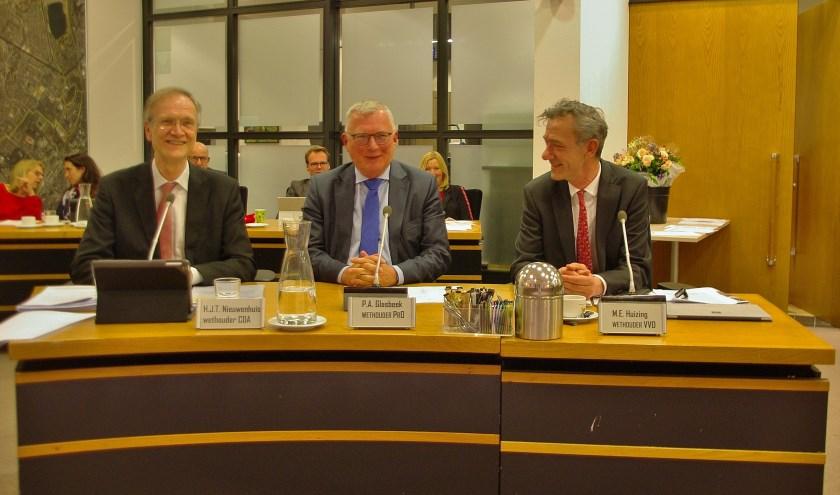 """Wethouder Huizing (rechts): """"We willen in de top 10 van beste gemeenten blijven. We moeten scherp aan de wind zeilen."""""""
