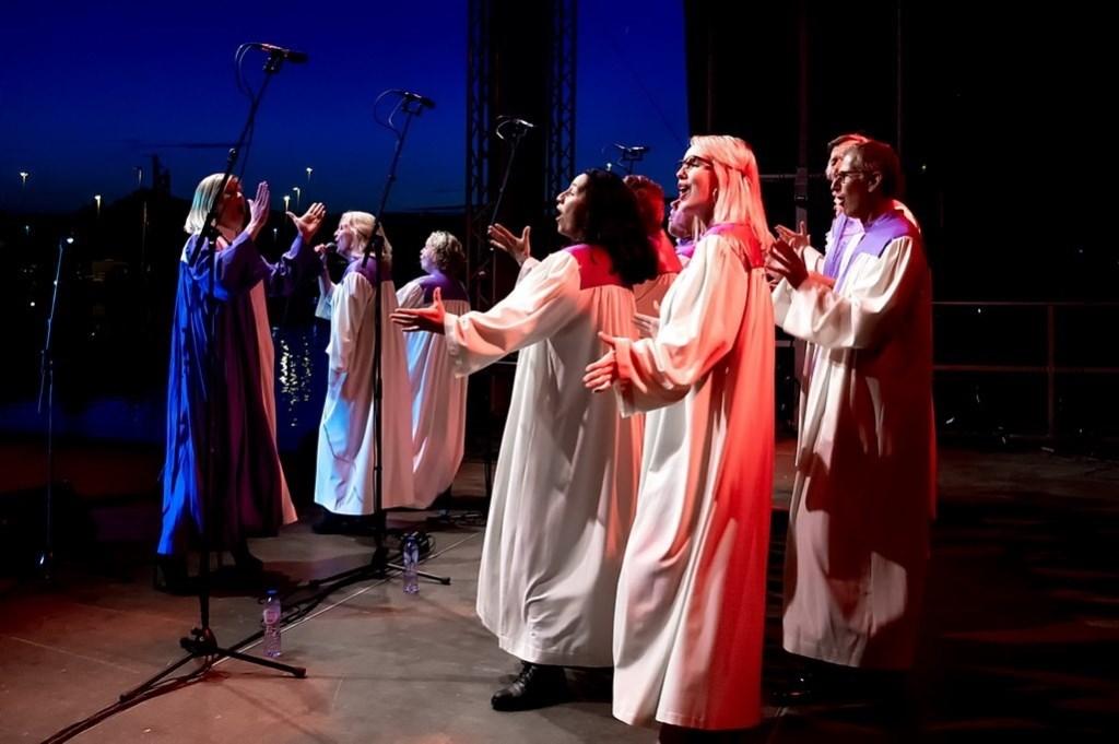 Het Elijah Gospel & Soul Choir.  Foto: Johan Kranenburg © uitgeverij Verhagen