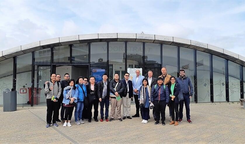 De Thiase delegatie met hun gemeentelijke begeleiders.
