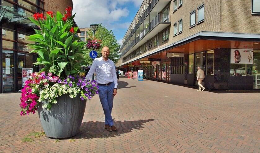 Voorzitter Alexander Beekhuis voor het voetgangersgebied.
