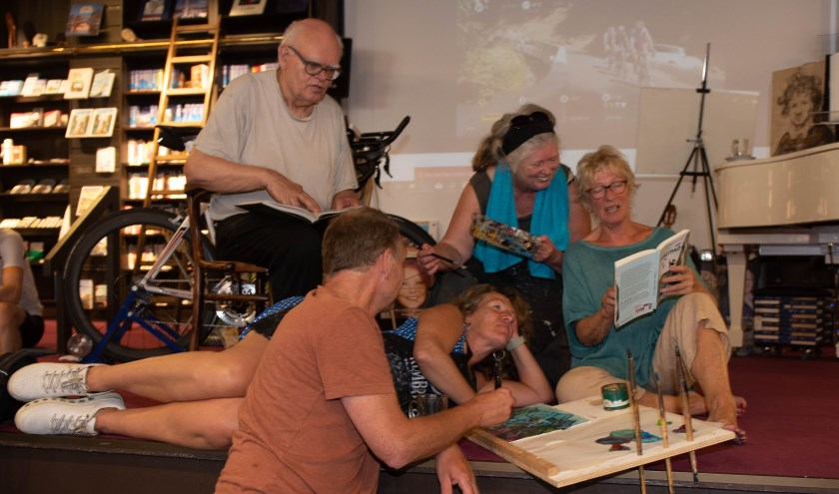 Literatuur en beeldende kunst gaan hand in hand.   Foto: Richard van Egmond